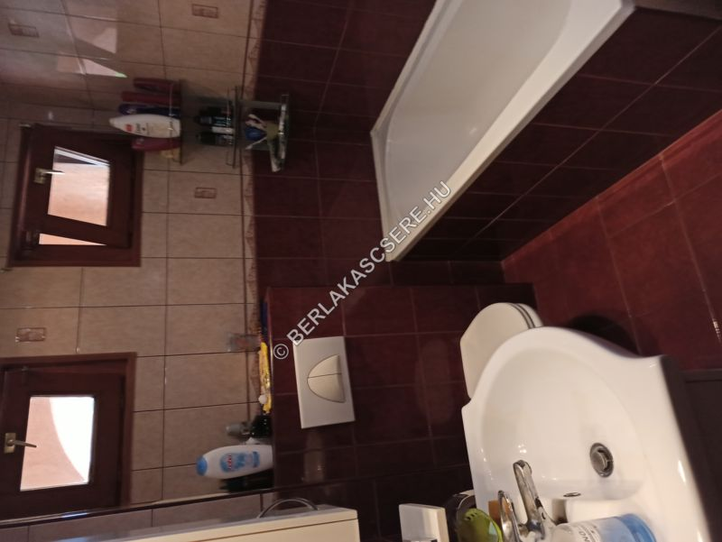 Fürdő + WC